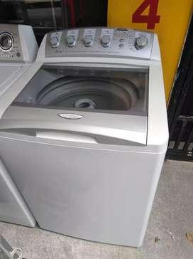 Lavadora Centrales 28 libras usada en muy buen estado