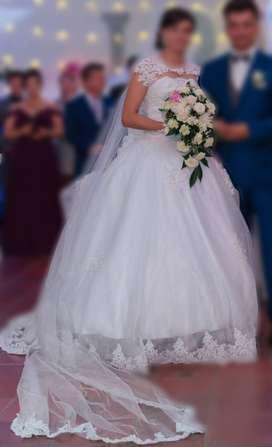 Vestido de novia y vestido de cambio
