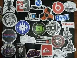 Muchos stickers a solo mil y dos mil