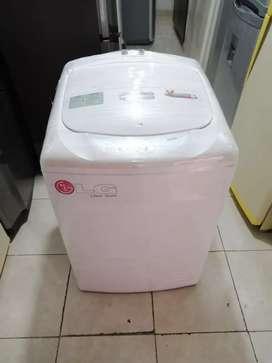 Lavadora 30 libras LG blanca, buen estado, buen funcionamiento