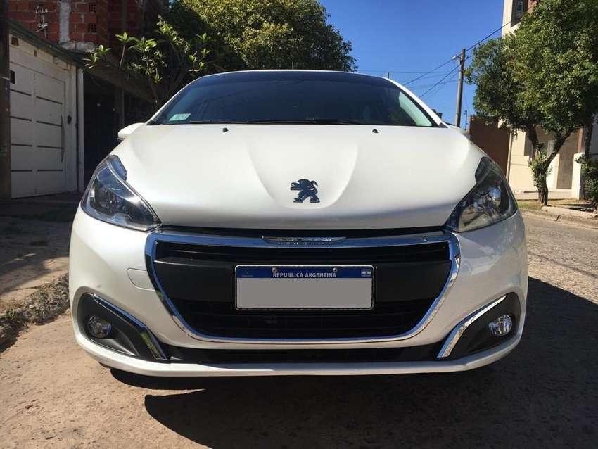 Peugeot 208 0