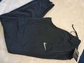 Se vende pantalón NIKE DRY FIT nuevo original