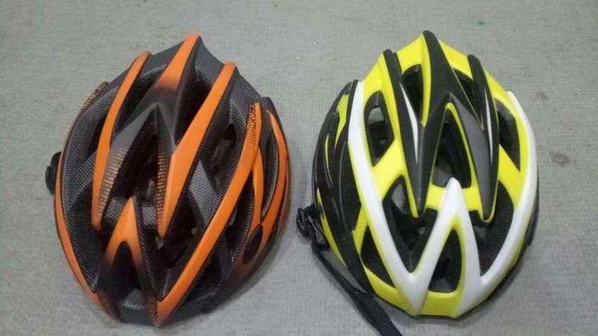 Cascos para bicicleta NUEVOS 0
