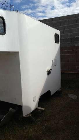 Vendo Camper Fibra Vidrio p/ Camioneta Cabina Simple p/colocar sobre Chasis Construido p/Metalúrgica Sabio hace 3 años
