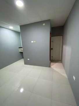 Alquilo habitación independiente cerca del Terminal de Santa Elena