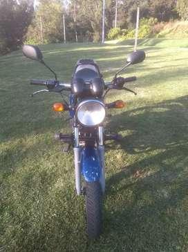 Vendo o permuto moto Boxer 150 modelo 2012