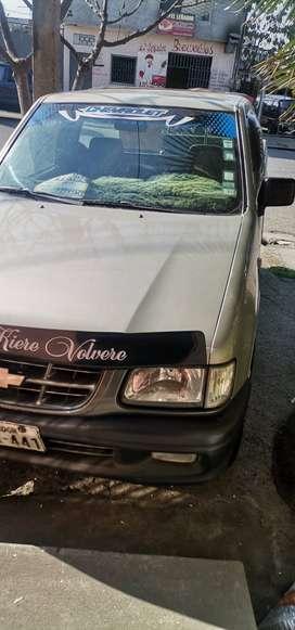 Camioneta chevrolet luv año 2005