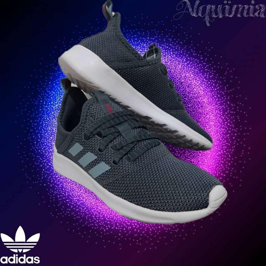 Promo Adidas: Tenis Cload Foam Pure, Talla 37 - 6(US).