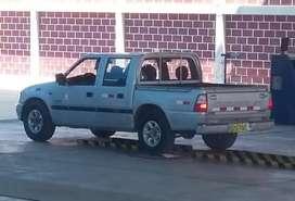 Vendo Camioneta 4x2 Chevrolet doble cabina