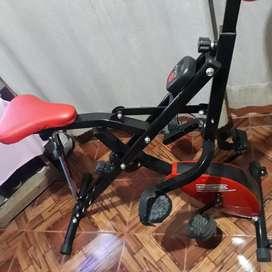 Máquina de ejercicio con doble función