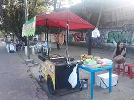 se vende carro de comidas rapidascon ubicación en la avenida 26c