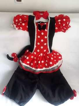Se vende disfraz de Mickey mouse talla 4