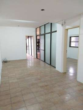 Oficina - Local Comercial en Pleno Centro - Calle Gualeguaychú y M. Caseros