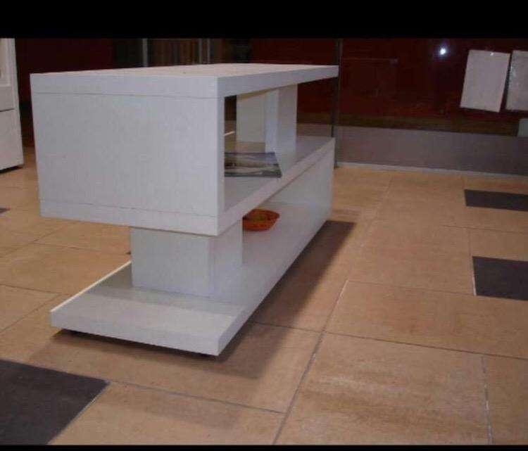Fabrico y vendo muebles para tv y pc entre $4500 y $7000 0