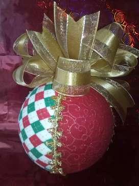 se vende bolas navideñas