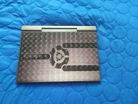 Portátil 8 de 10 pasado muy buena capacidad ram, software en perfecto estado cargador original negociable
