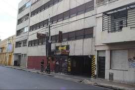 COCHERA FIJA. AV. RIVADAVIA AL 4100.DUEÑO DIRECTO. VIGILANCIA PERMANENTE