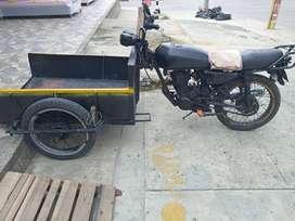 Vendo carreta con moto akt 125