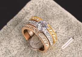 Anillo Triple Diamante Zirconia Bañado En Oro Rosado 18k, Oro Blanco 18k y Oro Dorado 18k