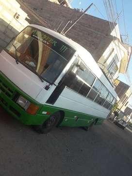 En venta mini bus nissan civilian año 1992