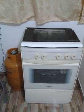 cocina 4 hornillas con horno + cilindro de gas