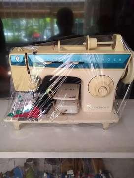 Maquina de coser SINGER. LA CACHACA