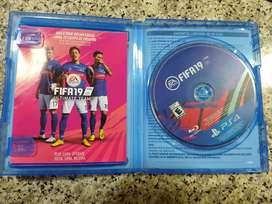Vendo FIFA19! Excelente estado.