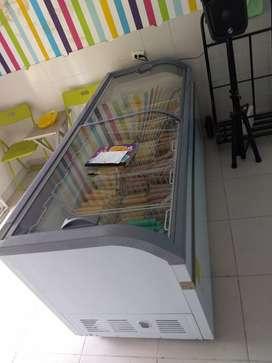 Congelador 700 litros con garantia y otro congelador de 250 litros con garantia