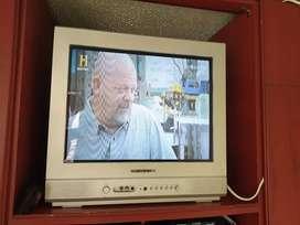 Combo Televisor Convencional Marca Daewoo 21 Pulgadas y DVD Philips
