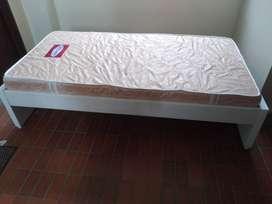 Vendo cama 0.90 para niña con colchón