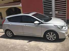 Por ocasión vendo auto Hyundai