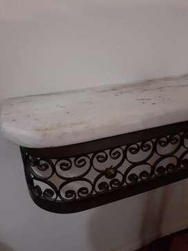 Dresoir antiguo con mármol sin espejo
