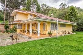 Hermosa Quinta con casa de ciudad en venta Gualaceo