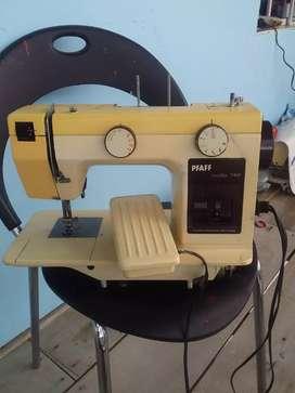 Máquina de coser marca icasa en perfecto estado la entregó ensayada