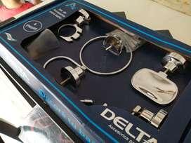 Set NUEVO x 6 piezas metal cromo, campanas de plastico marca Delta