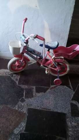Vendo bicicleta para nena en buen estado