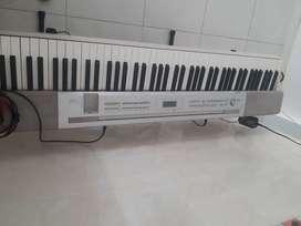 Piano casio privia mx 350s 3 años de uso