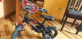 Bicicleta para niños semi nueva sin uso
