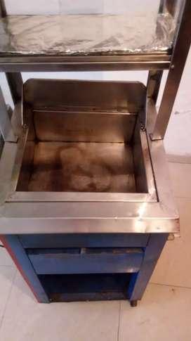 Vendo fritadora en buen estado 9/ de 10 totalmente funcional