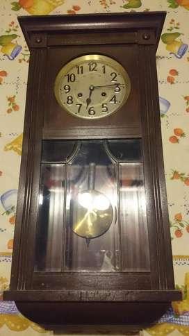 Antiguo Reloj De Pared Junghans Funcional, Excelente Estado