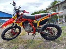 Vendo moto Factory T-series ,año 2021.