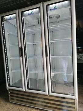 Espectacular Nevera de Refrigeración Vertical tres cuerpos