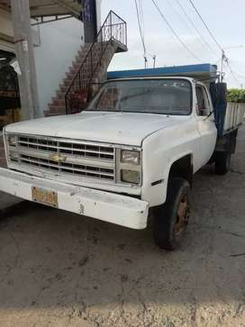 Camion 350 chevrolet Colombiano