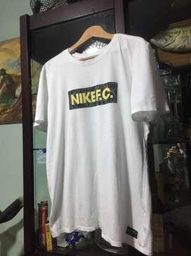 Polo Nike talla M