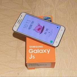Celular Samsung Galaxy J5 White - Duos- en perfecto estado