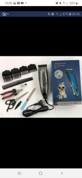 Vendo Maquina de cortar pelo para mascotas nuevas con todos sus accesorios tijeras peines alicate etc