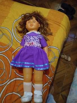 Vendo muñeca q hablá