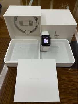 Apple Watch S2, 42mm, Stainless Steel/Acero Inoxidable, banda blanca