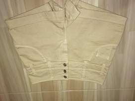 Pantaloneta color crema talla 8