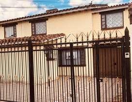 "Vendo casa Modelia ""Motivo viaje"""